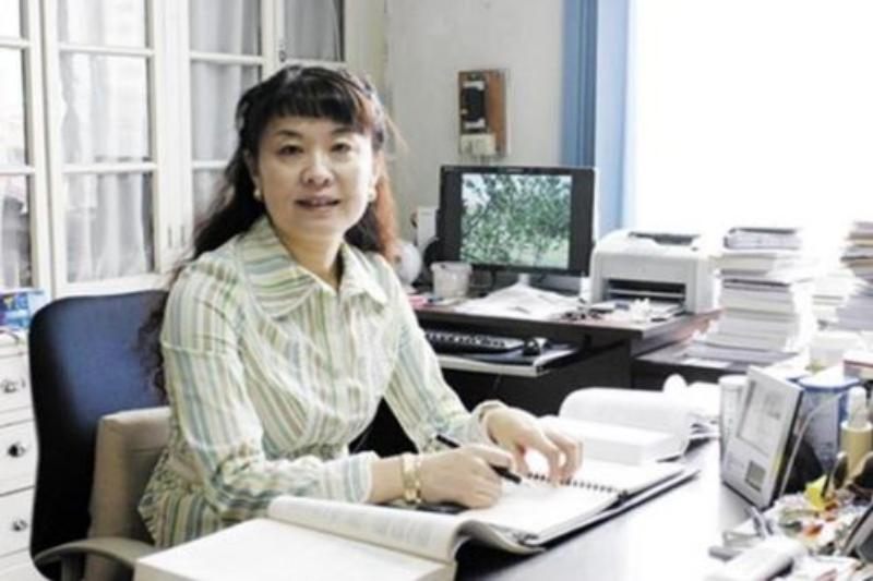 PHOTO: Professor Minjie Wei
